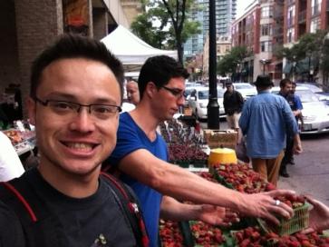 27 Jul 2013. Dan choosing fruit @ St. Lawrence Market.